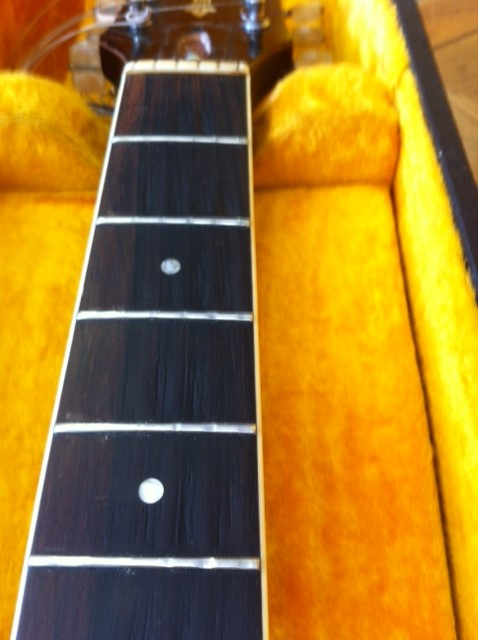 Existing frets on the Guild